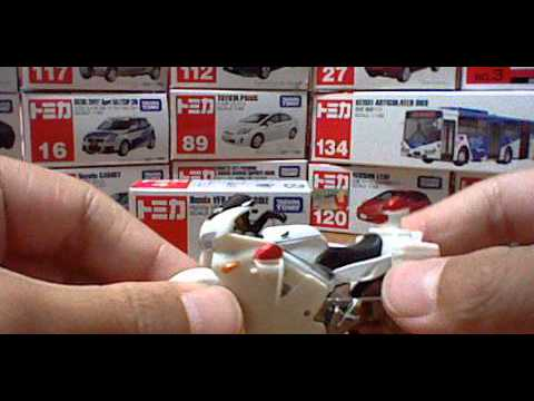 トミカNO,4 Honda VFR 白バイ tomika NO.4 Honda VFR POLICE BIKE